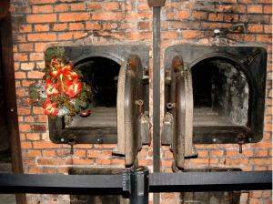 Auschwitz, forni crematori