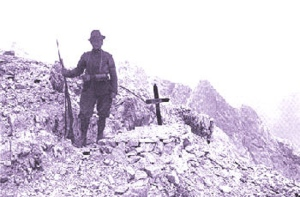 La tomba di un alpino, in alta montagna