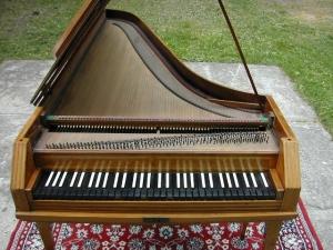 Un fortepiano dell'epoca di Mozart (seconda metà del Settecento), restaurato